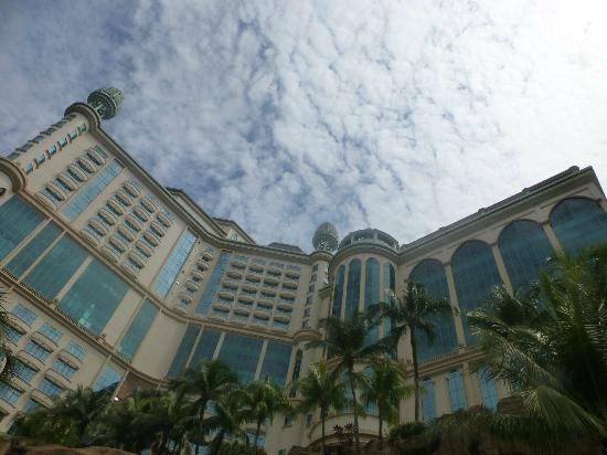 Sunway Resort Hotel & Spa: View from the pool