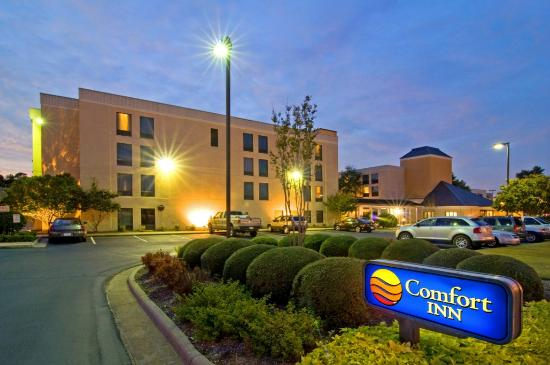 ‪Comfort Inn Near Fort Bragg�