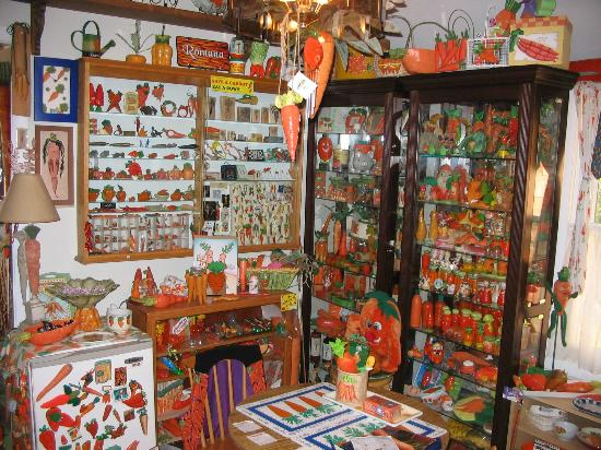 Armistead Cottage: Carrot Museum Display