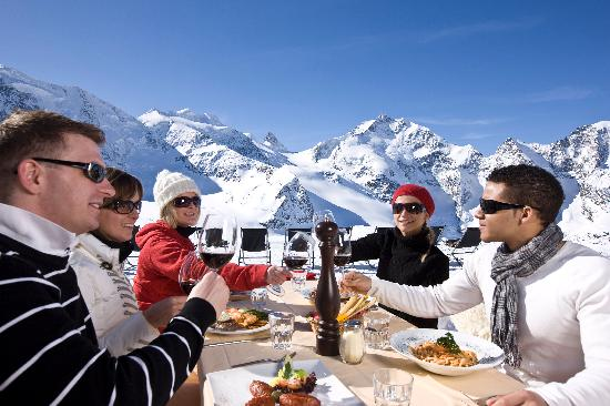 Engadin St. Moritz, Szwajcaria: Lunch on Diavolezza mountain