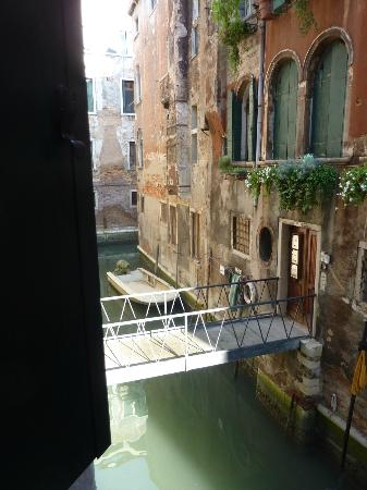 Residenza Ca Felice: View from bedroom window