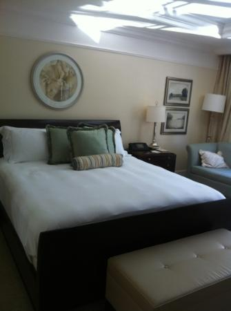 The St. Regis Atlanta: room