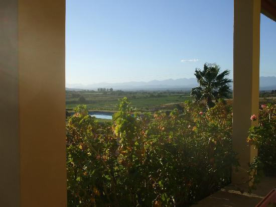 De Denne Country Guest House: View from the Stoep to the mountains