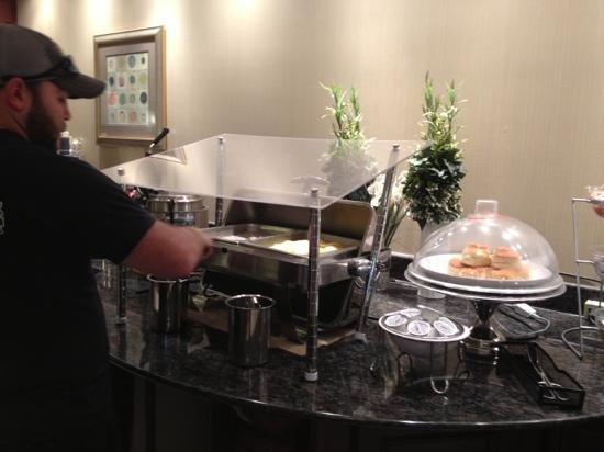 La Quinta Inn &amp; Suites Savannah Airport - Pooler: Breakfast