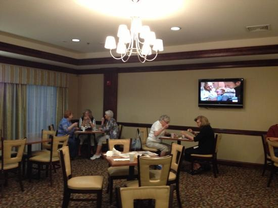 La Quinta Inn &amp; Suites Savannah Airport - Pooler: Breakfast Eating Area