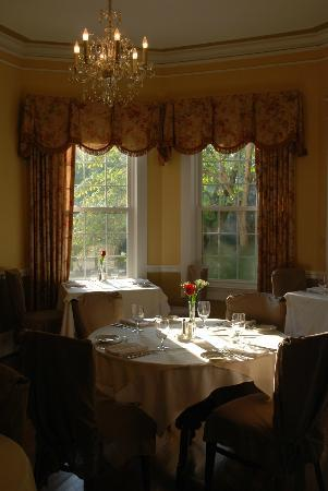 Burke Manor Inn: Intimate Fine Dining French Restaurant