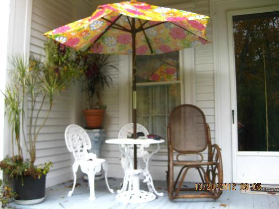 House of 1833: Peach Room Private Porch