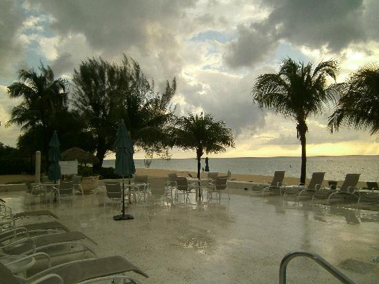 Coral Stone Club : Early Morning in Cayman - Coffee Time