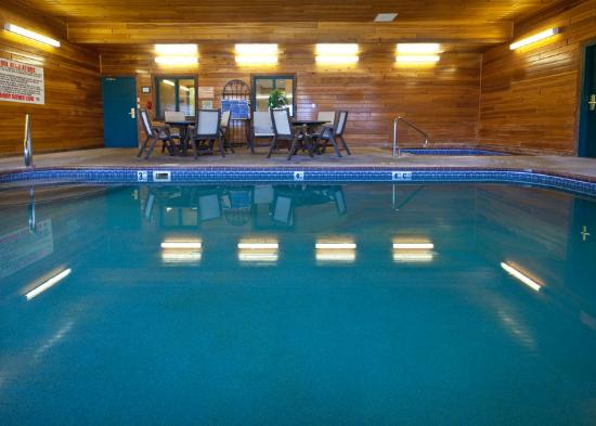 Country Inn & Suites By Carlson, Omaha West: CountryInn&Suites Omaha Pool