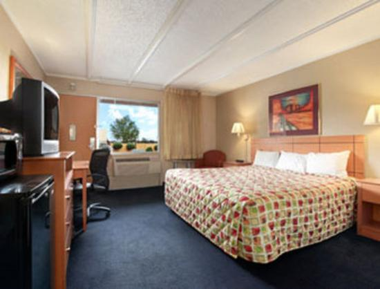 Travelodge Flagstaff: Standard One King Bed Room