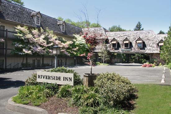 ‪The Riverside Inn‬