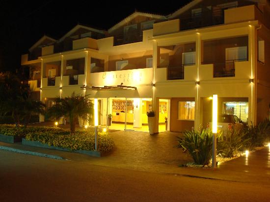 Contessina Hotel: Front entrance.