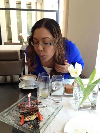O&B Athens Boutique Hotel: Me and my birthday cake in the dining room at O&B!