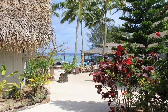 Manuia Beach Resort: Looking out from Room 8