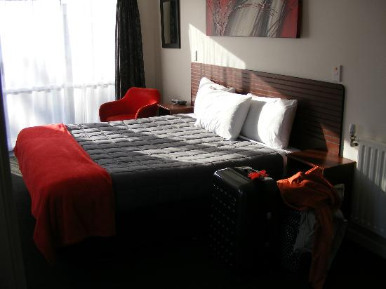 Red Rock Thermal Motel: comfortable bed ( 2 bed in room )