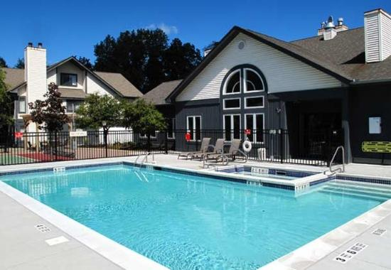Residence Inn Albany Airport: Outdoor Pool