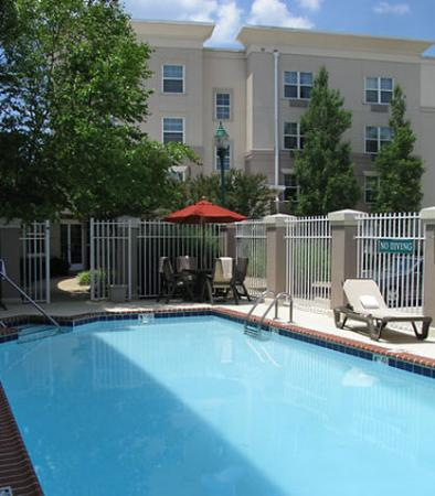 TownePlace Suites Springfield: Outdoor Pool