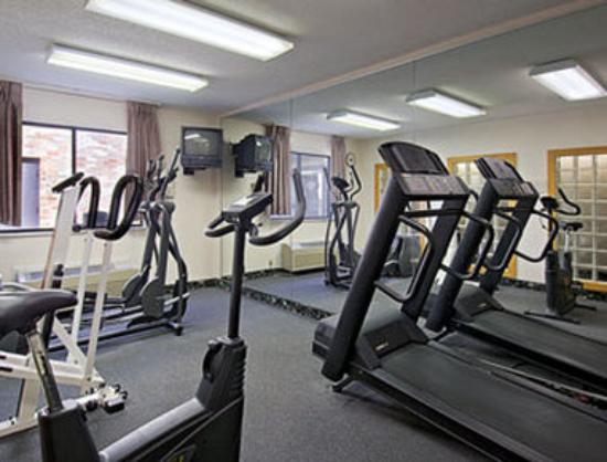 Baymont Inn &amp; Suites Athens: Fitness Center