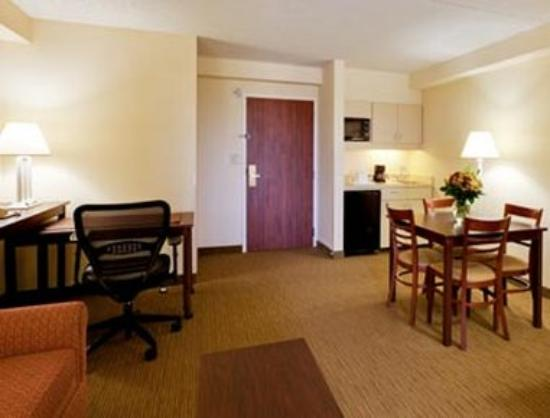 Hawthorn Suites by Wyndham Midwest City Tinker/Air Base: Executive Double Bed Room