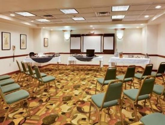 Hawthorn Suites by Wyndham Midwest City Tinker/Air Base: Meeting Room