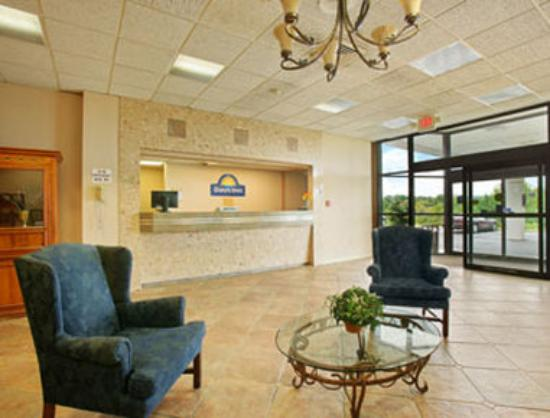 Port Jervis, NY: Lobby