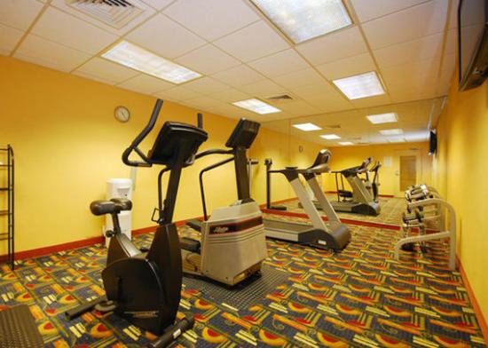 Comfort Inn &amp; Suites Miami Airport: exercise room