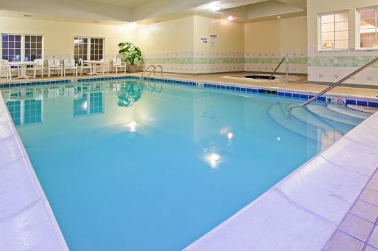 Country Inn & Suites By Carlson, Kalamazoo: CountryInn&Suites Kalamazoo Pool