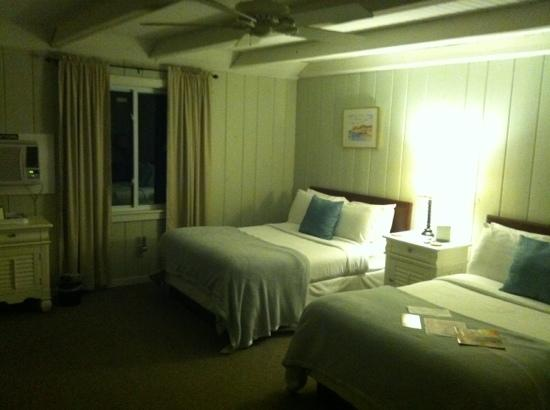 Orchard Hill Inn: our room, we arrived late and out key code was waiting for us