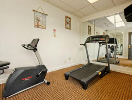 Days Inn Salem: Fitness Center