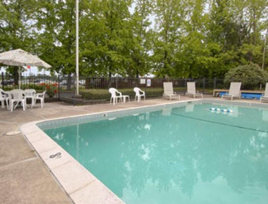 Days Inn Corvallis: Pool