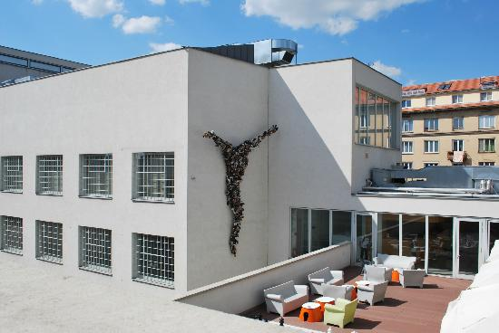 skull - picture of dox - center of contemporary art  prague