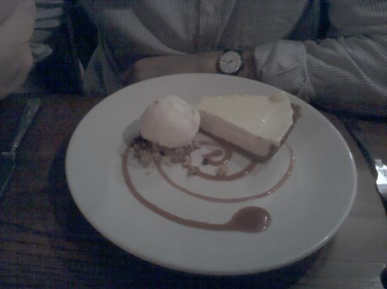 The Lamb Inn: Lemon tart
