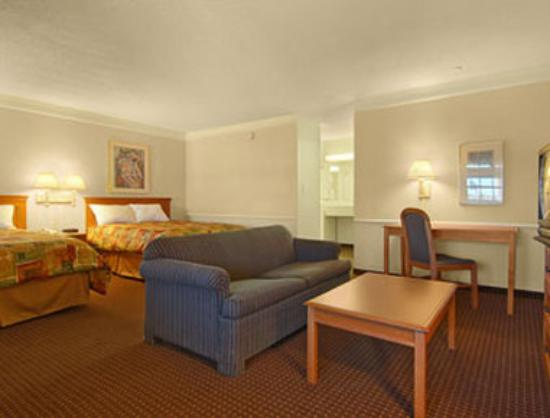 Ramada Limited Tucson West: Suite