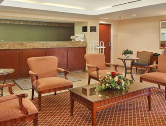 Fairfield Inn Chicago Willowbrook: Lobby