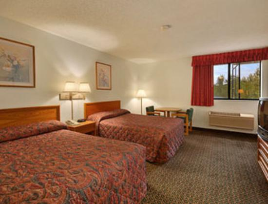 Super 8 Saint Charles: Standard Two Double Bed Room