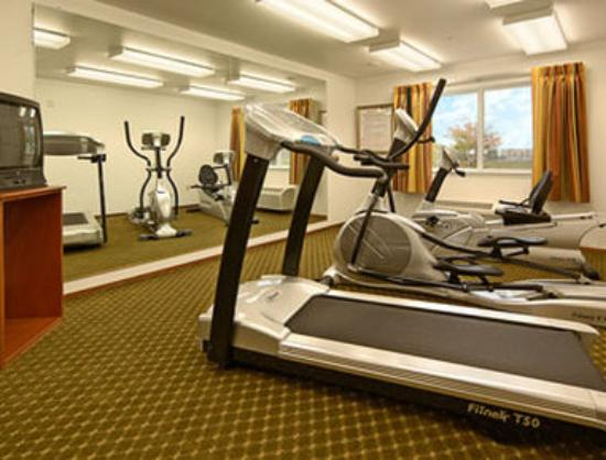 Super 8 Cloverdale: Fitness Center