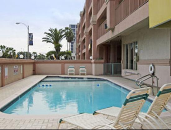 Super 8 Corpus Christi/Bayfront: Pool