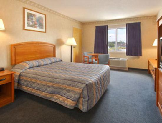 Harrington Super 8 Motel: Standard King Bed Room