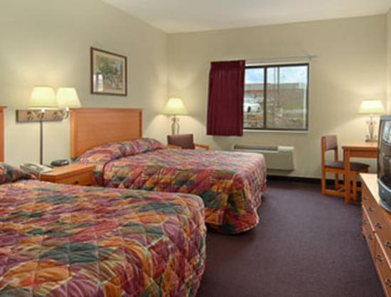 Super 8 Motel Columbia : Standard Two Queen Bed Room