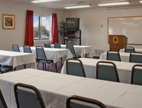 Super 8 Grapevine/DFW Airport Northwest : Meeting Room 