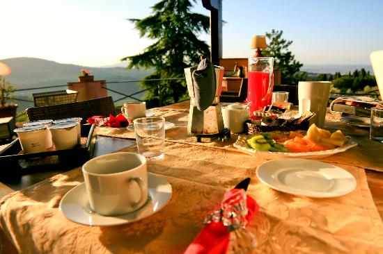 Montorsoli, Italy: Breakfast with as view