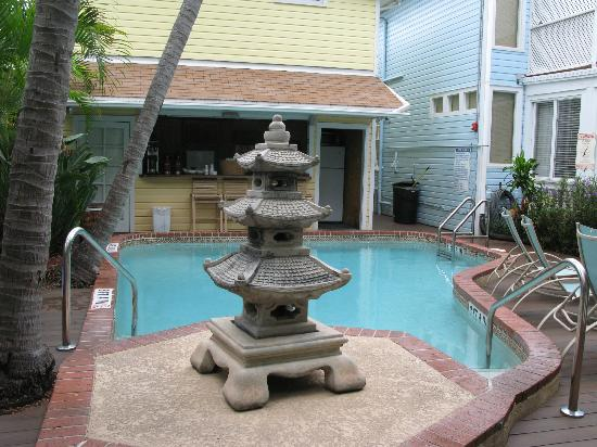 Douglas House: Pool Area
