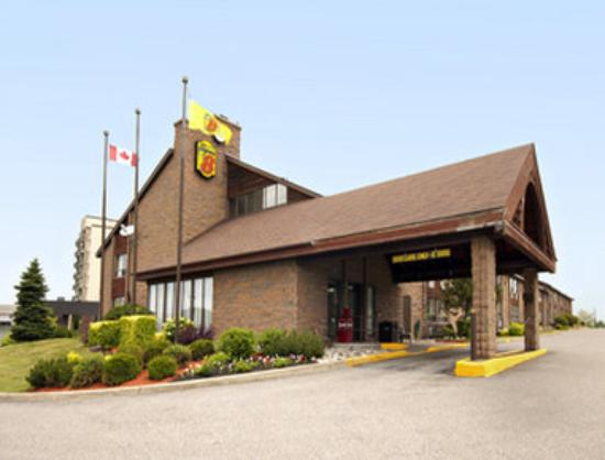 Super 8 Motel Sudbury: Welcome to Super 8 Sudbury
