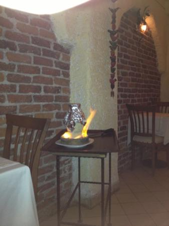 istanbul anatolia cafe and restaurant: don't miss the Testi Kebab... not just the show