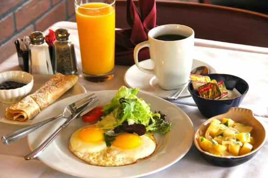 American breakfast set picture of le petit bistrot venice