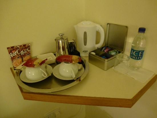 Capernwray House: Coffee, tea, hot choc, biscuits, water