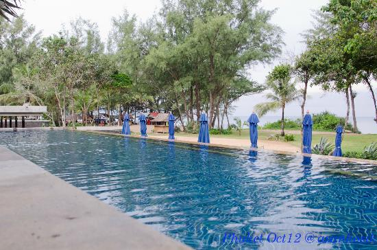 Marriott's Phuket Beach Club: One of the pools