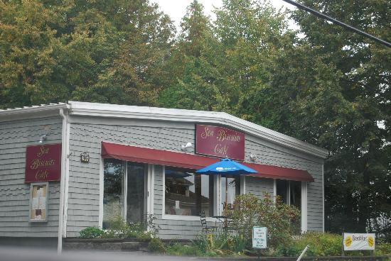 Hulls Cove, ME: Sea Biscuits Cafe - a must for breakfast!!