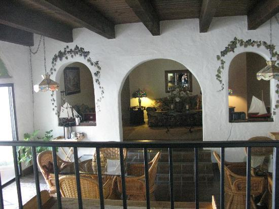 Spanish Villa Inn: Breakfast room