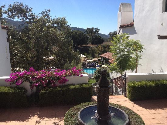 Ojai Valley Inn and Spa: View of Herb Garden Pool